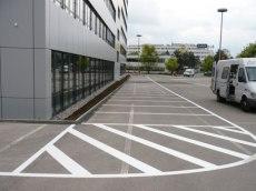 Parkplatzmarkierungen in der Industrie